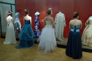 Robes de mariée et robe de cocktail au musée Bourgoin Jallieu