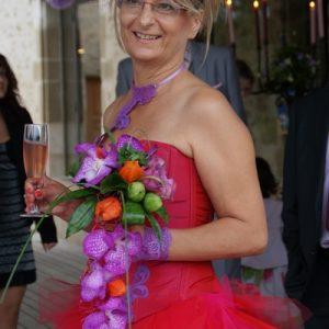 Robe de mariée courte en mouchoirs de tulle fuchsia / parme