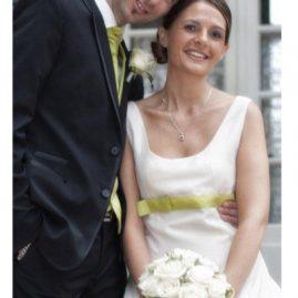 Robe de mariée courte en taffetas champagne et vert anis