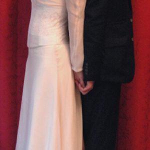 Robe de mariée en superposition de satin et mousseline de soie