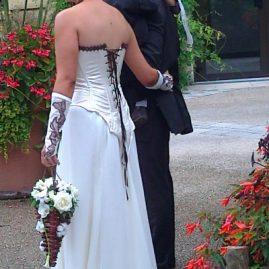 Robe de mariée ivoire chocolat en simili cuir et mousseline